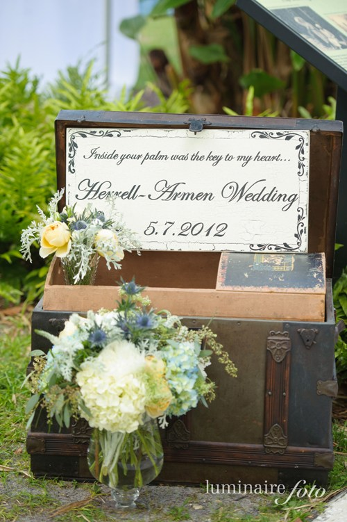 card box ideas vintage trunk wedding flowers greeting