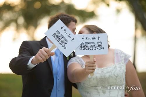 creative wedding photos photography garden signs vintage