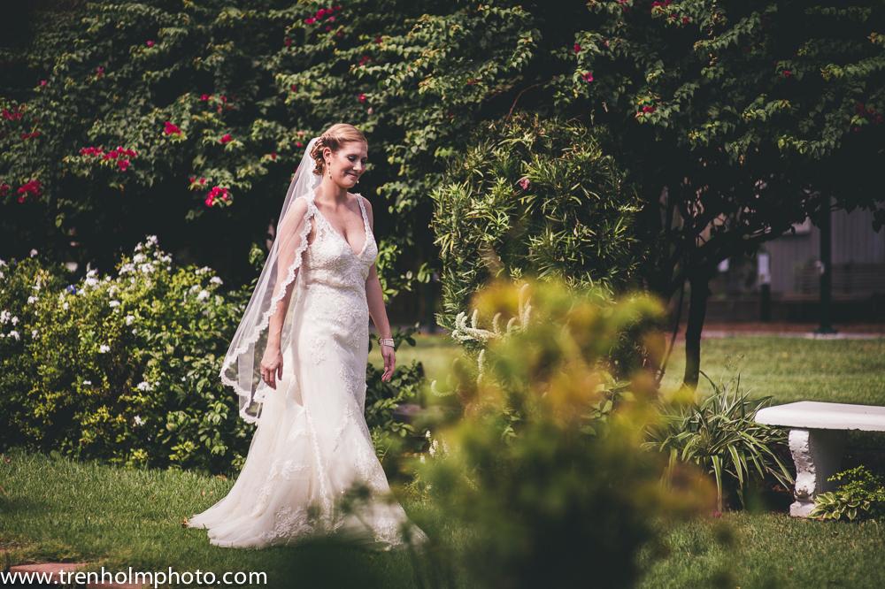 garden wedding first glimpse florida wedding venue
