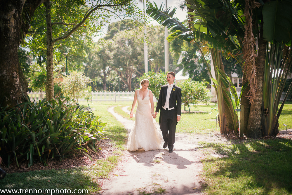 Katie & Matt\'s Vintage Florida Wedding | Fort Myers Wedding Venues ...